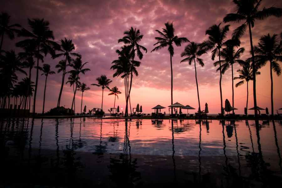 Guide to luxury travel on a budget by Luxe Beach Baby