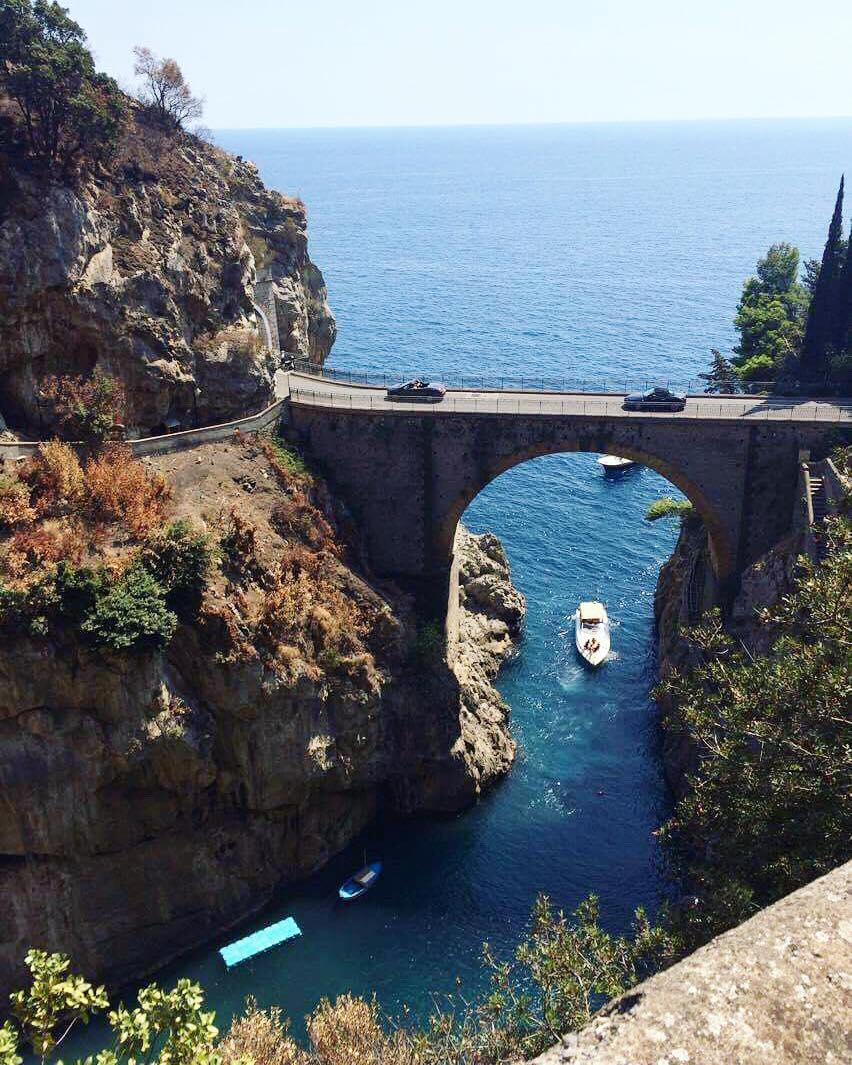 Exploring the Amalfi Coast on a budget by Luxe Beach Baby
